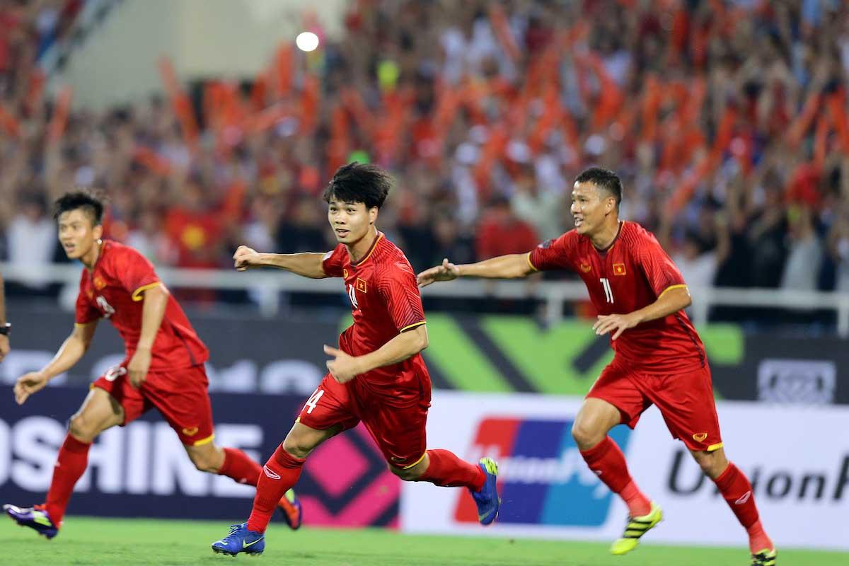 Việt Nam lập nên kỳ tích khi chiến thắng Jordan và tiến vào tứ kết Asian Cup